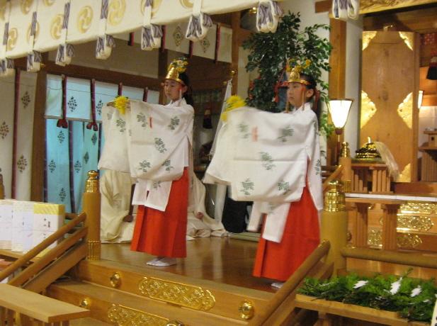 西野神社 巫女舞