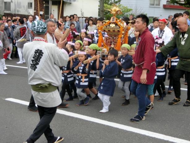 西野神社 子供神輿渡御