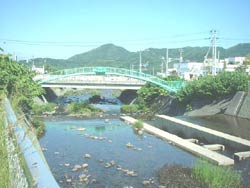 現在の右股橋